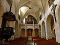 Nef et entrée de la cathédrale de St-Jean-de-Maurienne (2018).JPG