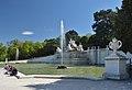 Neptune Fountain, Schönbrunn 01.jpg