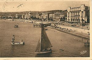Palais de la Méditerranée - Postcard from the 1930s showing the Palais de la Méditerranée on the waterfront in Nice; the domed building on the left is the Hotel Negresco