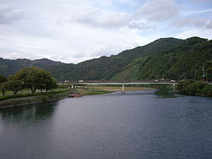 Nishiki River from Kintai Bridge.jpg