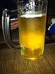 No hemos conseguido que nos den de comer pero si cerveza... Sarna con gusto no pica (6061426997).jpg