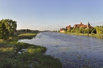 Nogat - Image: Nogat river and Malbork Castle in the afternoon