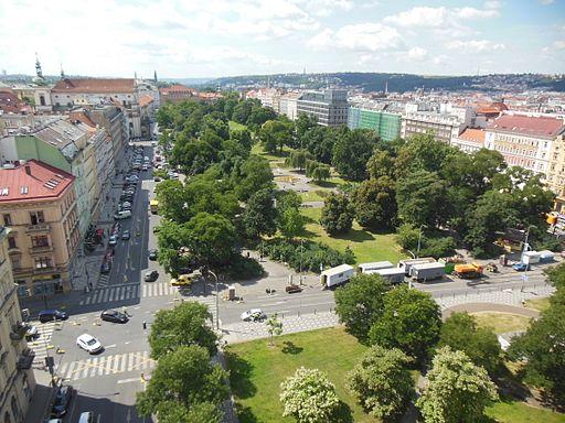 Novoměstská radnice, pohled na Karlovo náměstí