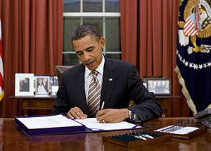 "President Barack Obama signs H.R. 2751, the ""F..."