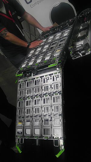 Open Compute Project - Open Compute V2 Drive Tray, 2nd lower tray extended