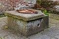 Oude regenwaterbak. Locatie, Tuinreservaat Jonkervallei 03.jpg