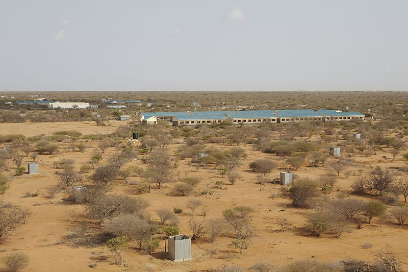 File:Oxfam East Africa - New camp stands idle and closed as Somali refugees pour into Kenya.jpg