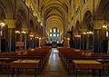 P1310638 Paris XI eglise St-Vincent-Nations nef centrale rwk.jpg