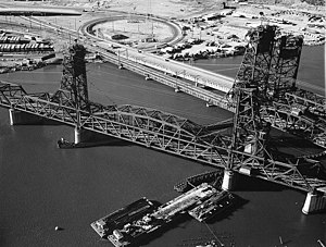 PATH Lift Bridge - PATH Lift Bridge (Harsimus Branch and Wittpenn Bridge at right)