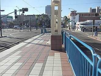 Pacific Avenue station - Pacific Avenue station platform