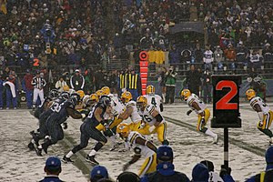 2006 Seattle Seahawks season - Image: Packers on offense MNF 2006