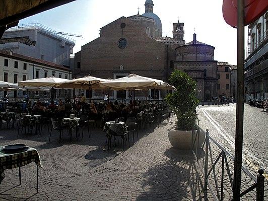 Piazza Duomo, Padua