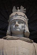 Statua marmorea di Federico II di Svevia, posta all'ingresso del palazzo Reale di Napoli
