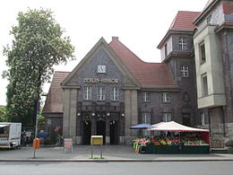 Pankow station entrance and market.jpg