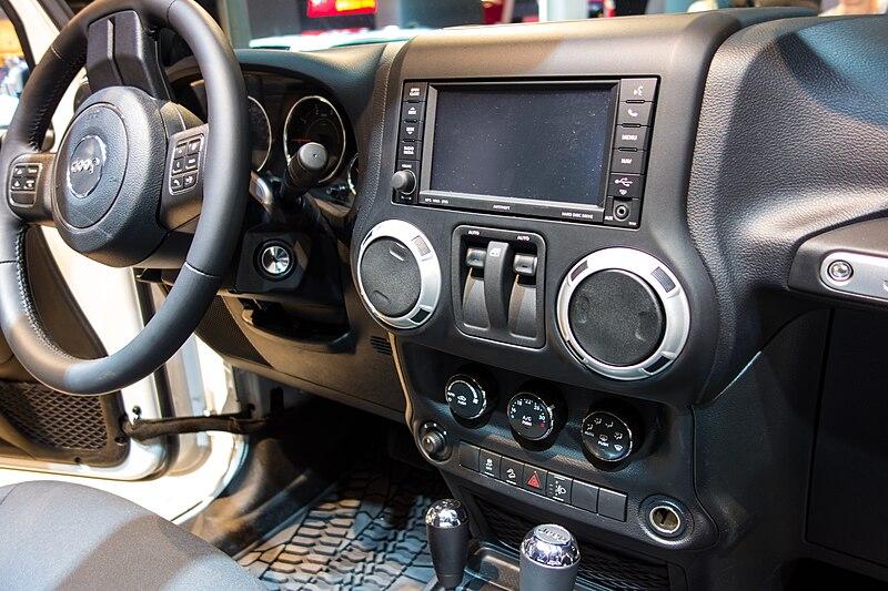File:Paris Motor Show 2012 (8065298743).jpg