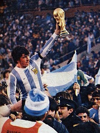 Daniel Passarella - Daniel Passarella holding the FIFA World Cup trophy after the 1978 final.