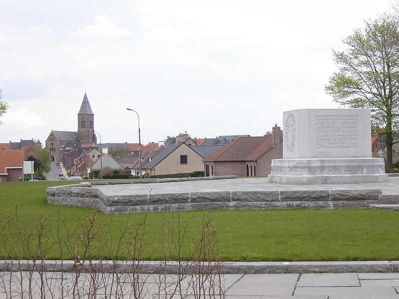 Crest Farm Canadian Memorial in Passendale on the site captured by the 72nd Battalion (Seaforths) Canadian Expeditionary Force (CEF). The town centre is in the background. Passendale, Zonnebeke, West Flanders, Belgium
