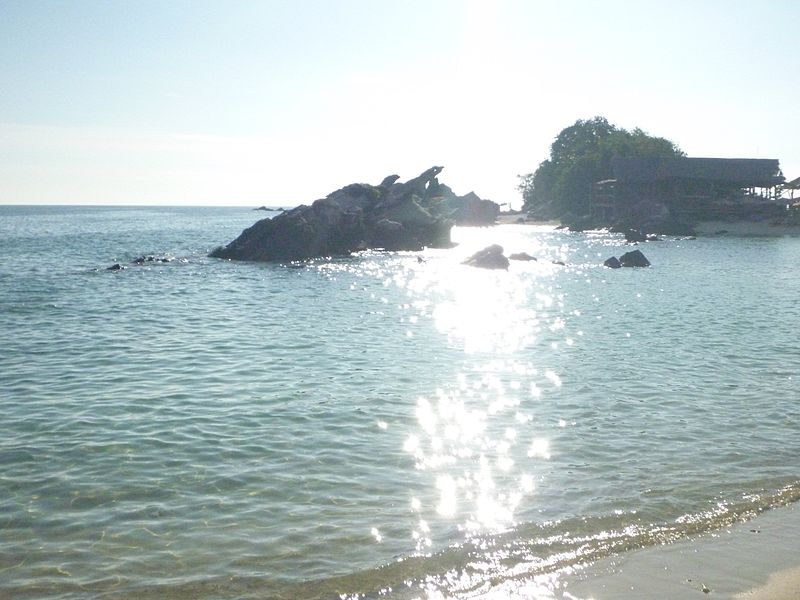 File:Phi Phi Island Tour (4297228354).jpg