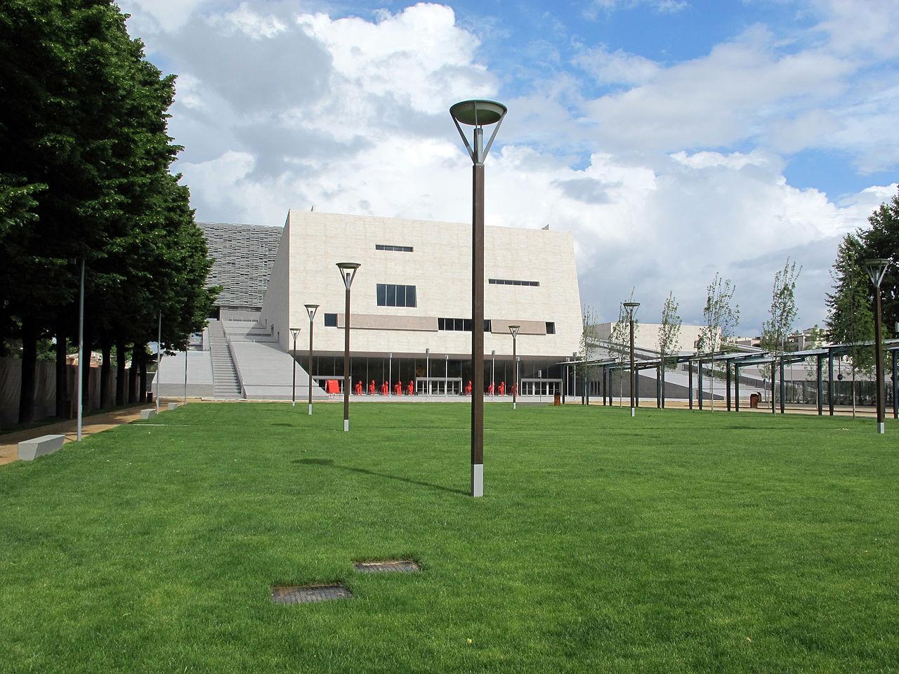 Piazza del nuovo teatro dell'opera, 016.JPG