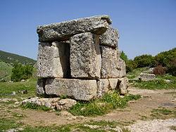 קבר המיוחס לשמאי בהר מירון