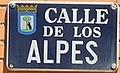 Placa de la calle de los Alpes (cropped).JPG