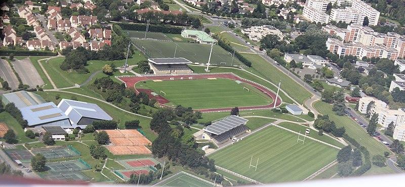 File:Plaisir - Stade.JPG
