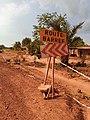 Plaque d'indication dans le plateau du Bénin 01.jpg