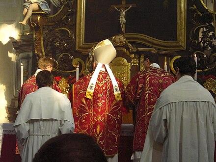 ba40283e3cb Pontifikální Mše podle misálu sv. Jana XXIII. sloužená litoměřickým  biskupem Janem Baxantem