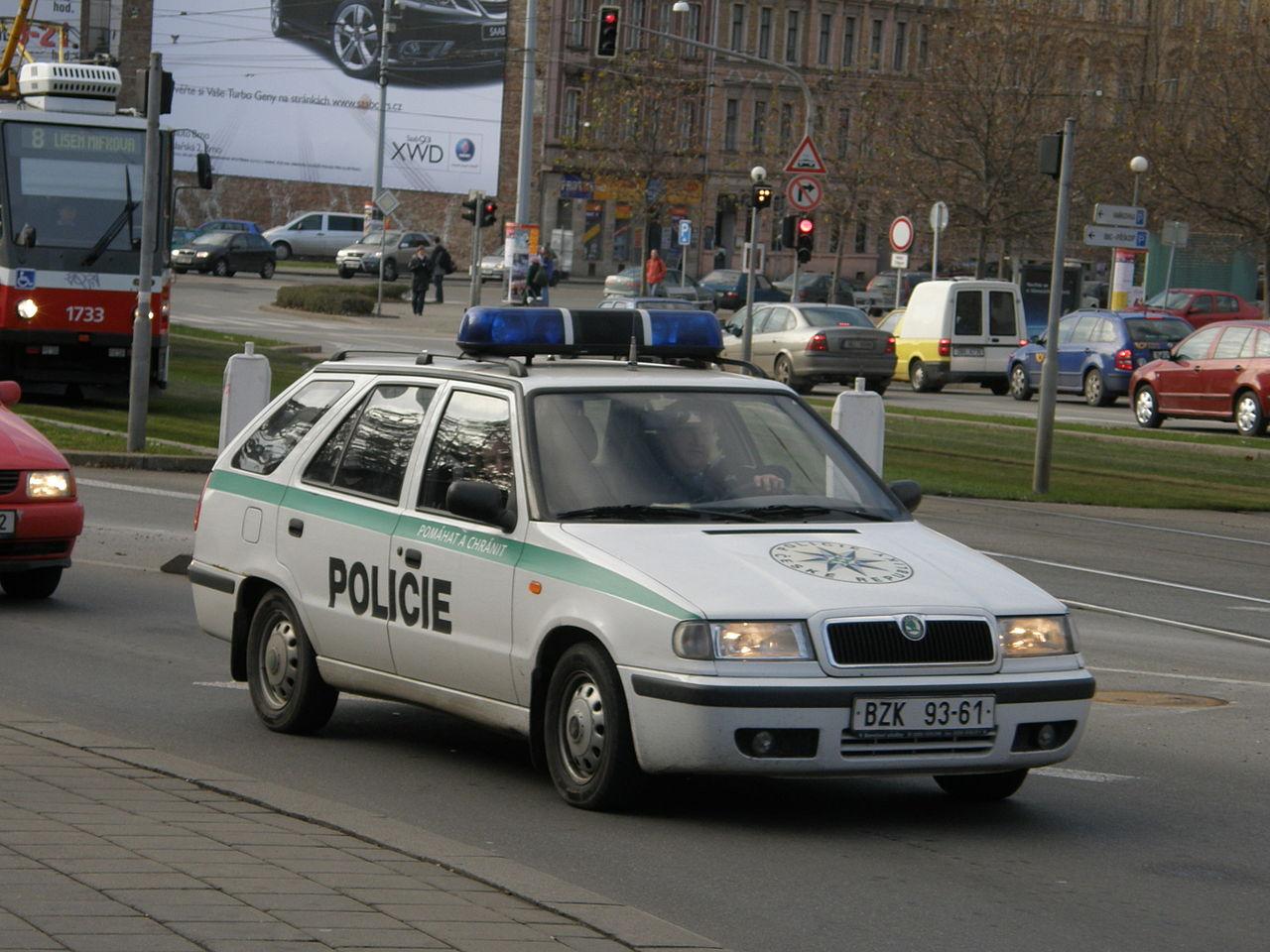 Auto Sale Czech Republic: File:Police Cars In The Czech Republic.JPG