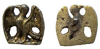 Cap hook - Image: Post medieval silver gild dress hook. (Find ID 442786)