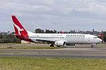 Qantas (VH-VYE) Boeing 737-838(WL) arriving at Sydney Airport.jpg