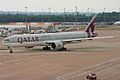 Qatar Airways B777 A7-BAG (4743284874).jpg