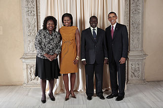 Raila Odinga - President Barack Obama and First Lady Michelle Obama of the United States pose for a photo during a reception at the Metropolitan Museum in New York with Raila Amolo Odinga, Prime Minister of the Republic of Kenya, and his wife, Mrs. Ida Odinga