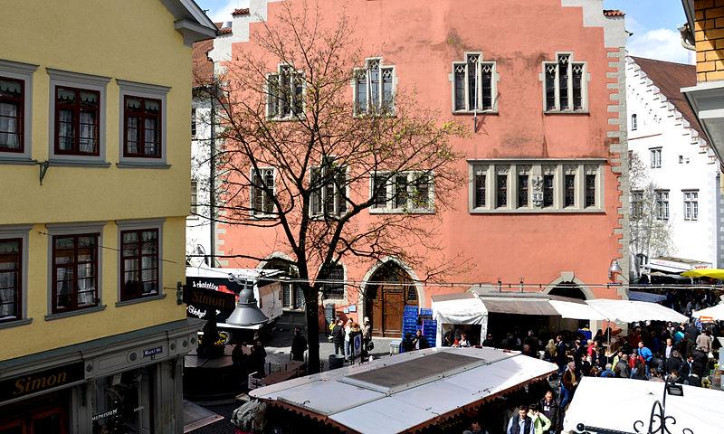 File:Ravensburg Wochenmarkt 03.jpg
