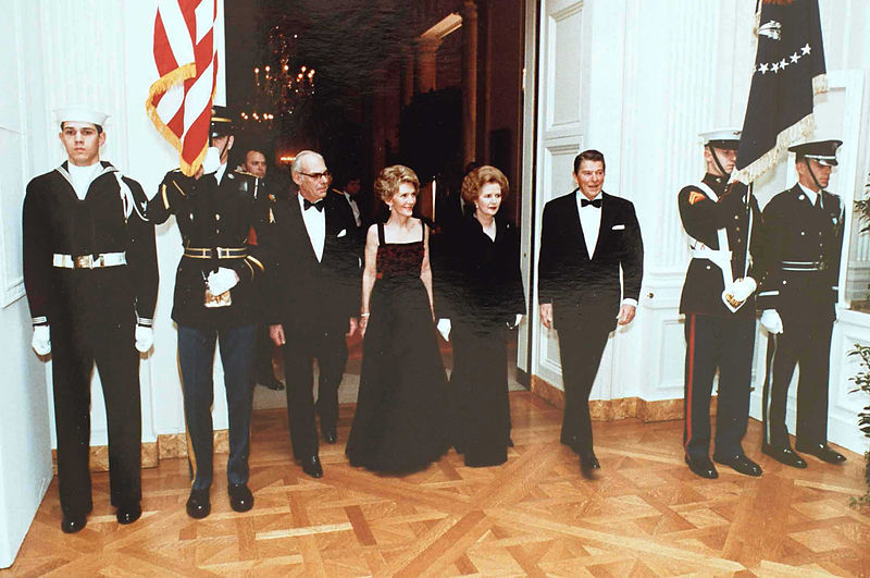 File:Reagans and Thatchers walk at state dinner.jpg