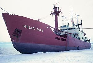 MV Nella Dan - Image: Rikr 0101 Flickr NOAA Photo Library