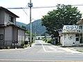 Rikuzen Shirasawa Eki mae in 2006.jpg