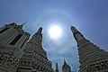 Ring around the Sun at Wat Arun Ratchawararam.jpg