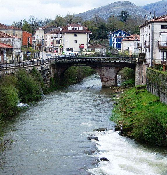 File:Rio Miera La Cavada.jpg