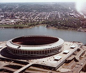 Riverfront Stadium in Cincinnati, Ohio.jpg