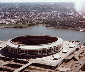 Riverfront Stadium - Image: Riverfront Stadium in Cincinnati, Ohio
