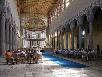 Église Sainte-Sabine de Rome — Wikipédia Santa Sabina Interior