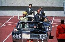 1965 lincoln continental fuse box lincoln continental wikipedia  lincoln continental wikipedia