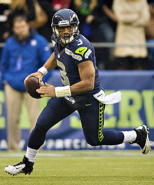 File:Russell Wilson vs Jets, November 11, 2012.jpg