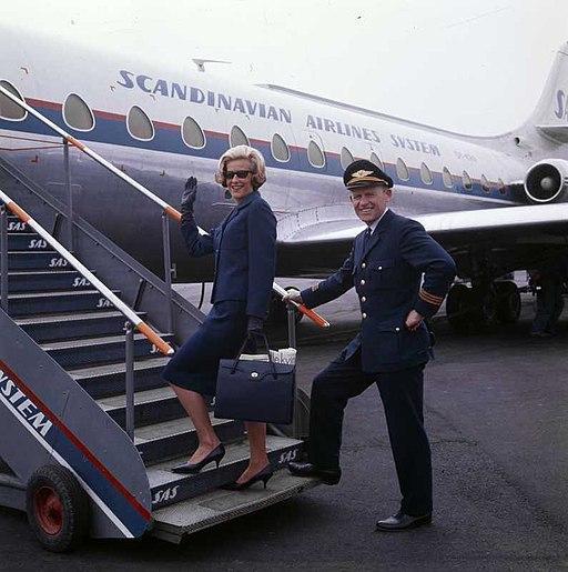 SAS Caravelle, pilot and flight attendant