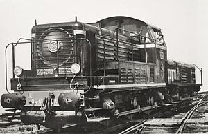 Slug (railroad) - SNCF Class 030 DA (then C 61000) and a TC 61100 slug for yard service.