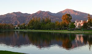 Saddleback from Lago Santa Margarita (Dusk).JPG