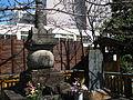 Saigo-no-Tsubone-grave.JPG