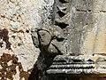 Saint-Geyrac église portail têtes.JPG
