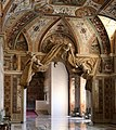 Sala ducale dei palazzi vaticani, 01 arco con stucchi di gianlorenzo bernini 1.jpg